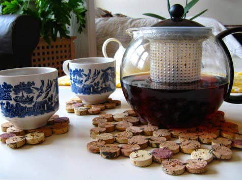 Make wine cork trivet